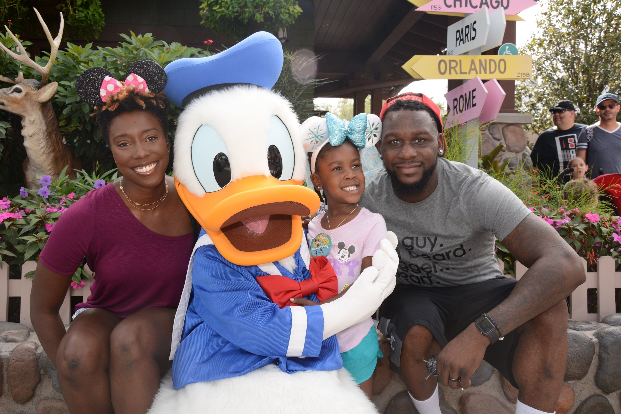 Meet-donald-ducl-disney-trip3.jpg