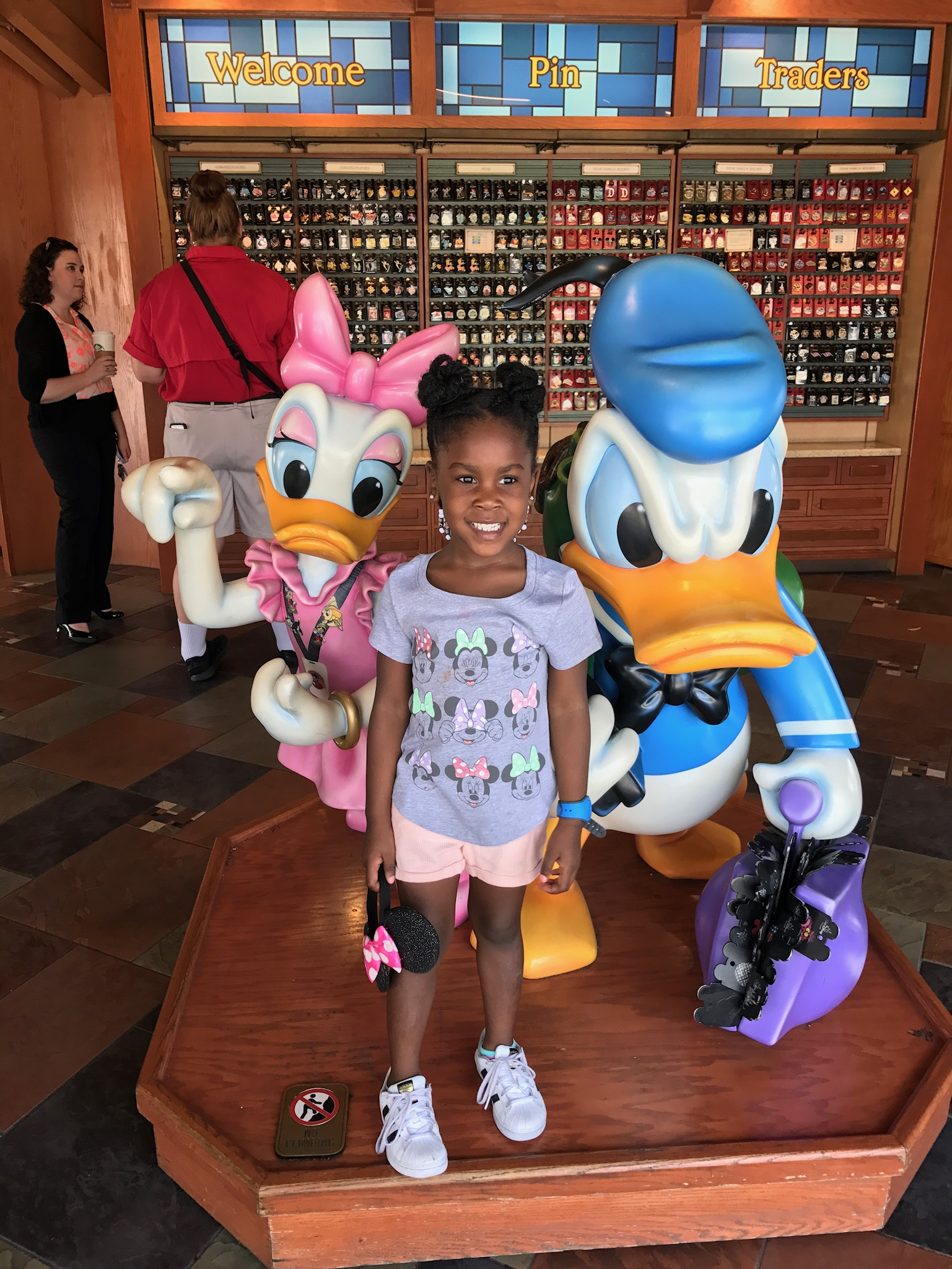 Aria With Duck Figures .jpg
