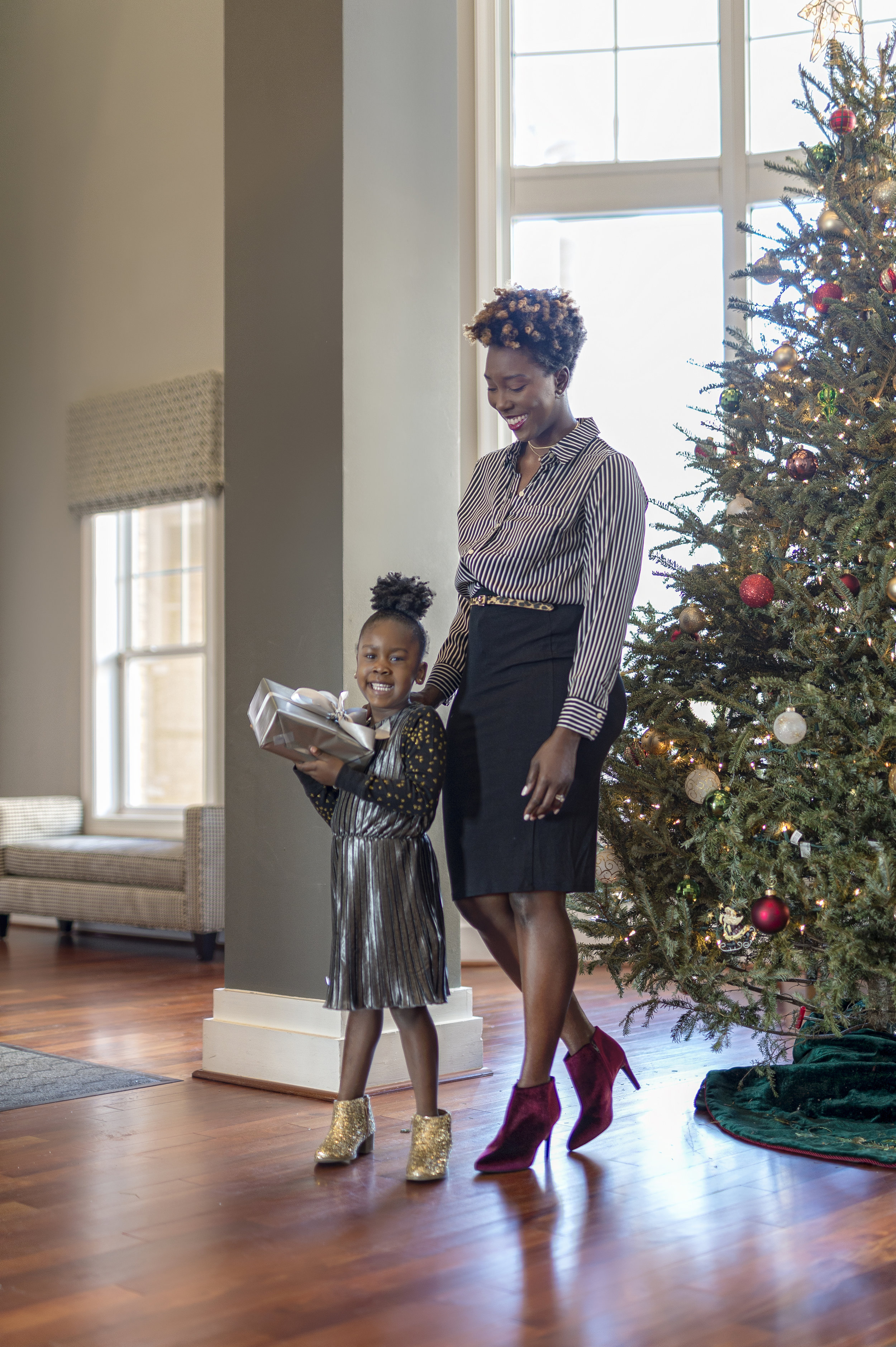 mommy-daughter-christmas-outfits-mother-daughter-style-dayna-bolden-old-navy-2.JPG