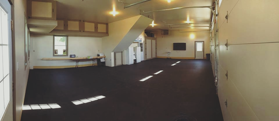 spacious 28'x44' training room