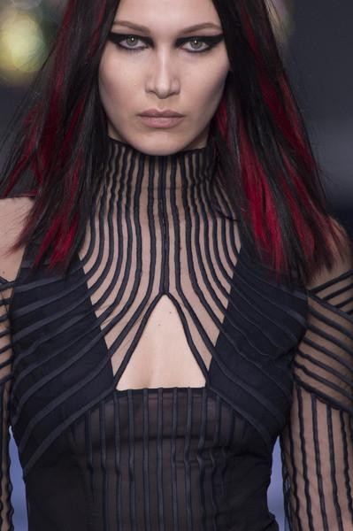 Versace+Fall+2017+Details+AmKyhoiL4Tzl.jpg
