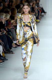 versace-rtw-spring-2018-milan-fashion-week-mfw-021.jpg