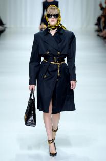 versace-rtw-spring-2018-milan-fashion-week-mfw-009.jpg