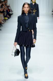 versace-rtw-spring-2018-milan-fashion-week-mfw-008.jpg