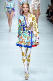 versace-rtw-spring-2018-milan-fashion-week-mfw-045.jpg