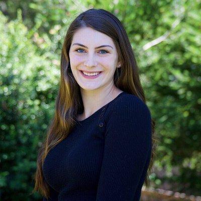 Davina Rose - Saint Mary's College of California '18 Aspiring eSports journalist