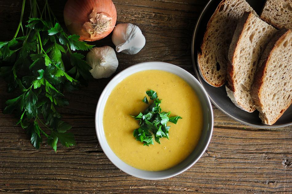 Vegan Creamy Garlic Wine Soup-2.jpg
