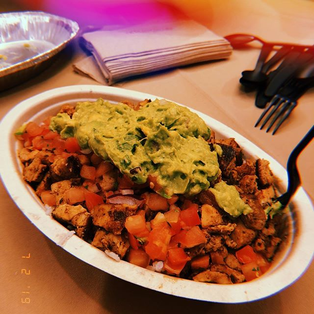 "Got to say..This is a true work of art 😂 Who can say that this chicken bowl from Chipotle doesn't look absolutely delicious?? . . Because I am on the go every single day, I always try to make sure that I have clean, whole meals planned throughout the day to fuel me 💪🏻 And once in awhile, I can fit in a delicious chicken bowl 😜 . . What is your ""Go-To Meal"" to fuel you through your day?? #wholefood #healthyeating #intermittentfasting #singing"
