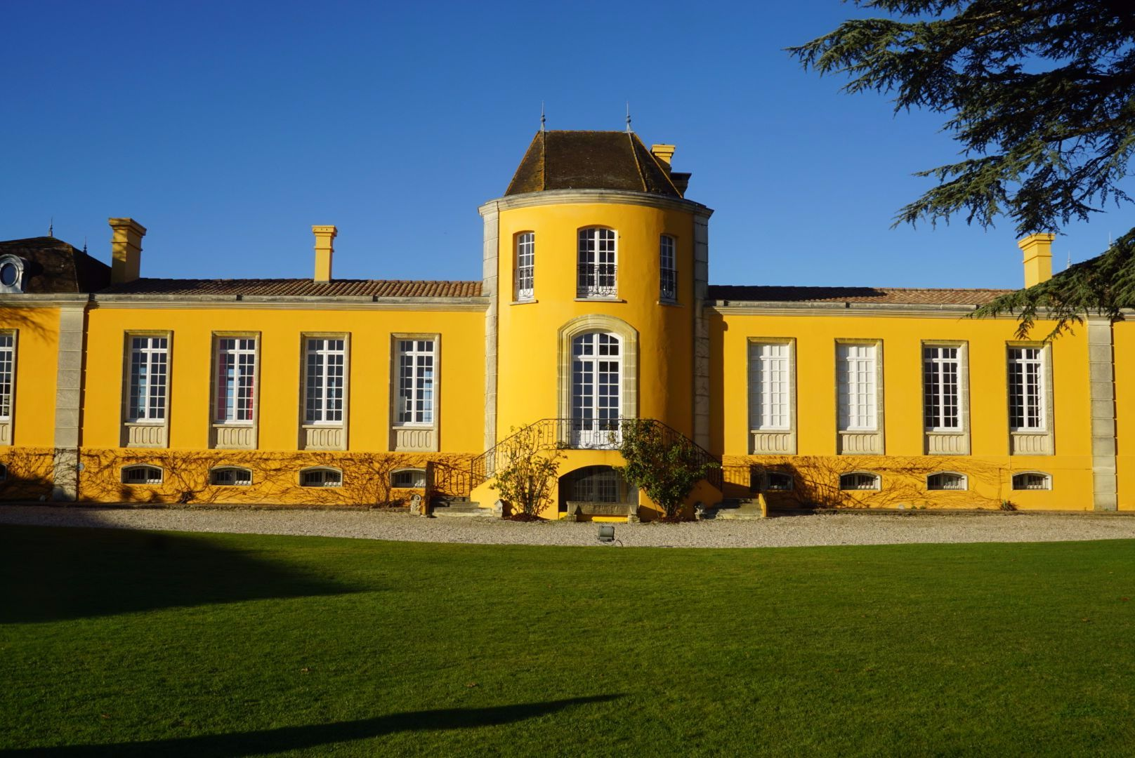 The signature yellow Chateau