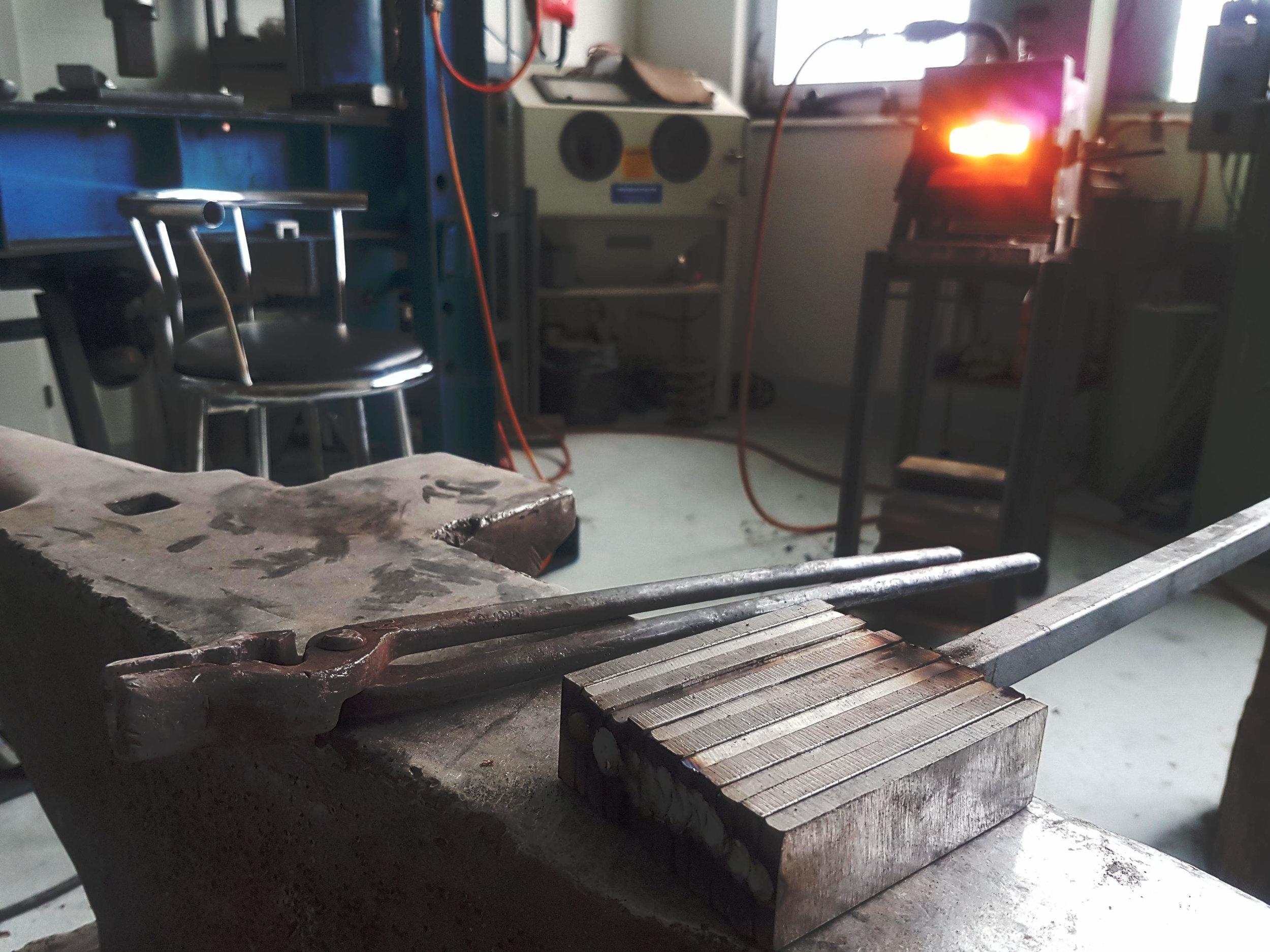 Gasesse Eigenbau mit 30tonnen Hydraulikpresse