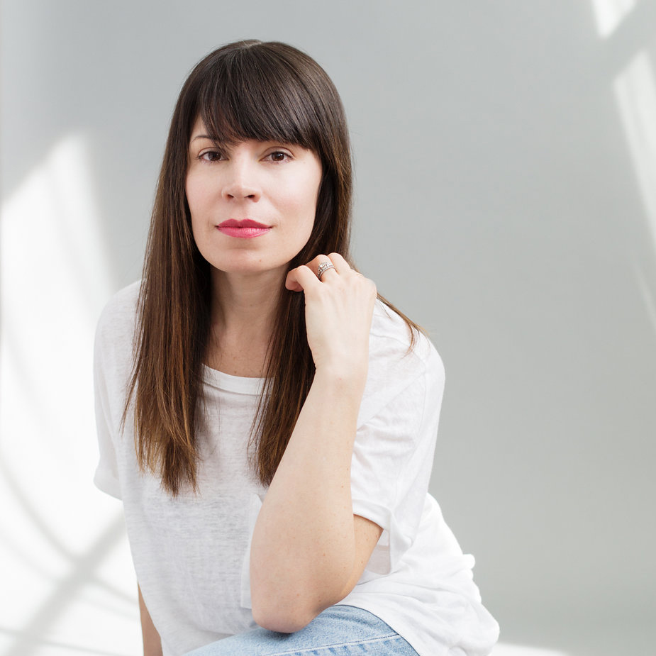 AMANDA CARTER GOMES , Founder/Executive Editor The Fold Mag @ the_fold_mag  >  BIO