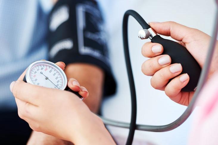 high-blood-pressure-hypertension-symptoms_thumb.jpg