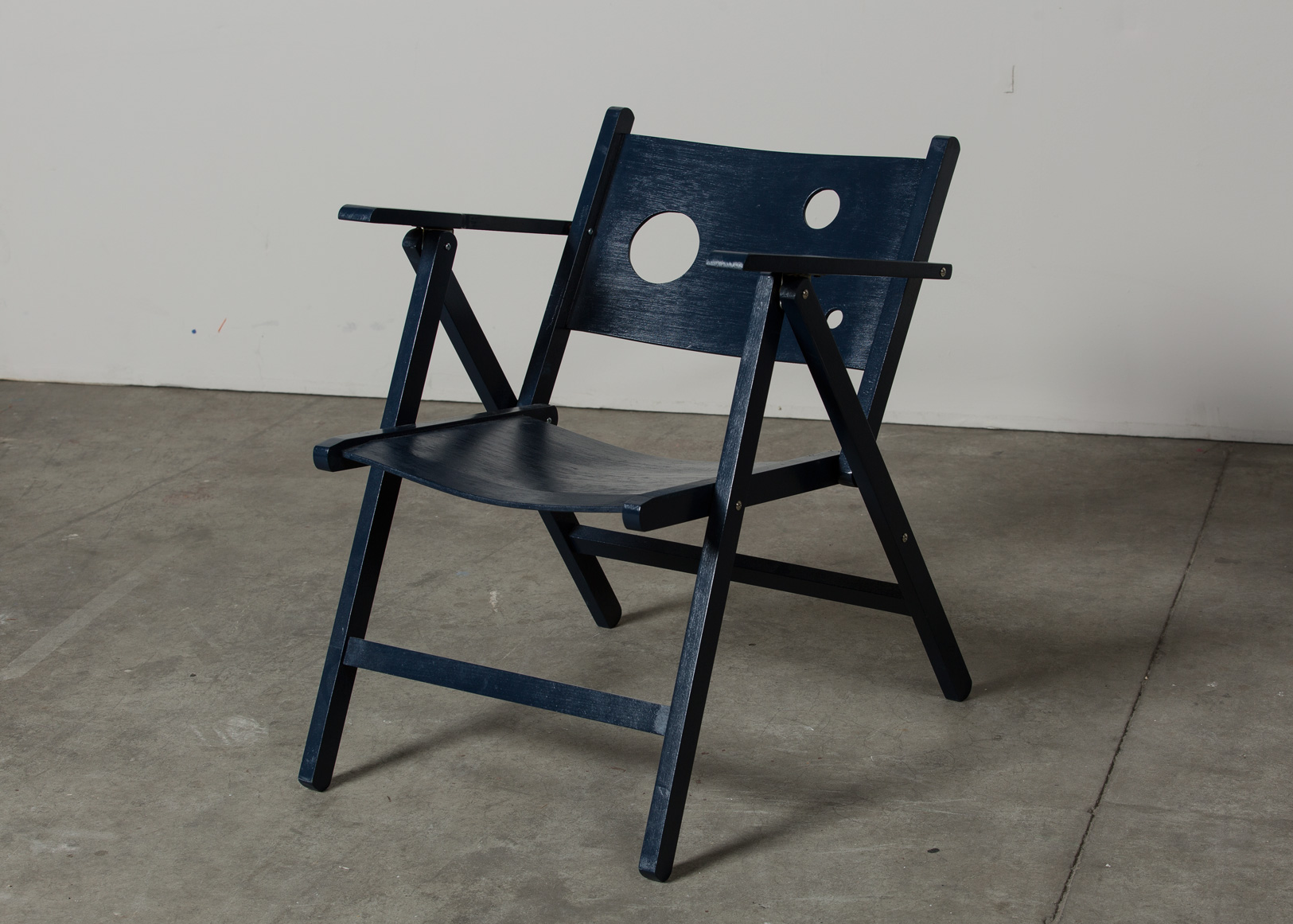 Midnight folding chair