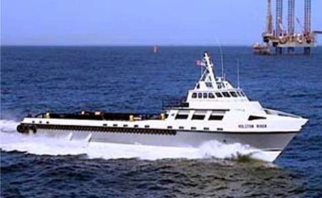 boat.oil.rig.JPG
