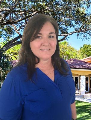 Michelle   Hofmann - Licensed Realtor®561-603-4806michelle@theoakagents.com