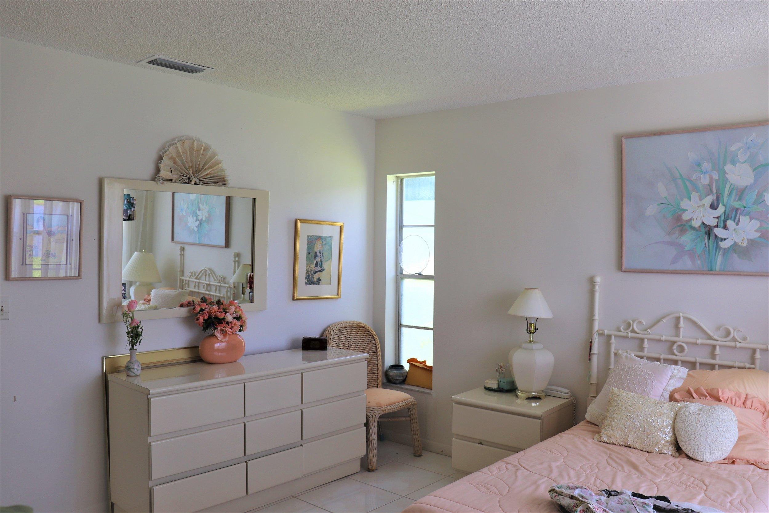 mater bedroom 3.JPG