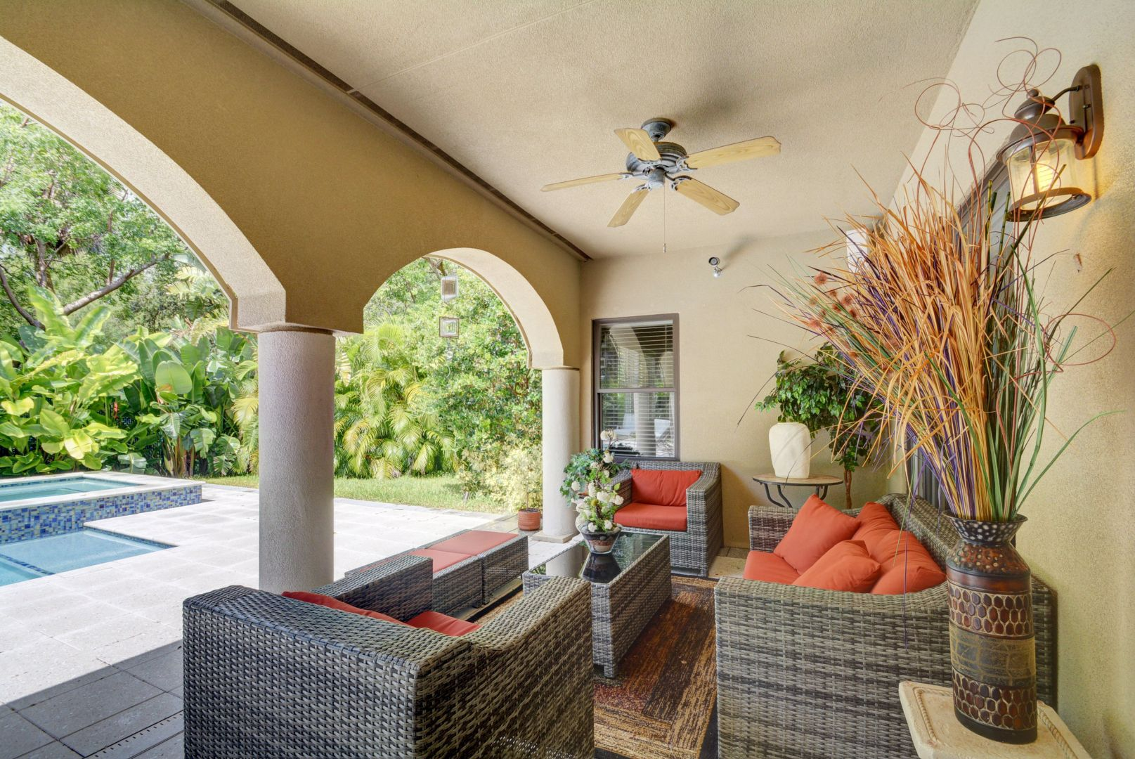 covered patio.jpg