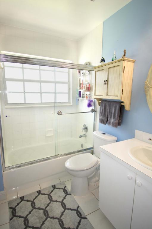 BW guest bath.jpg