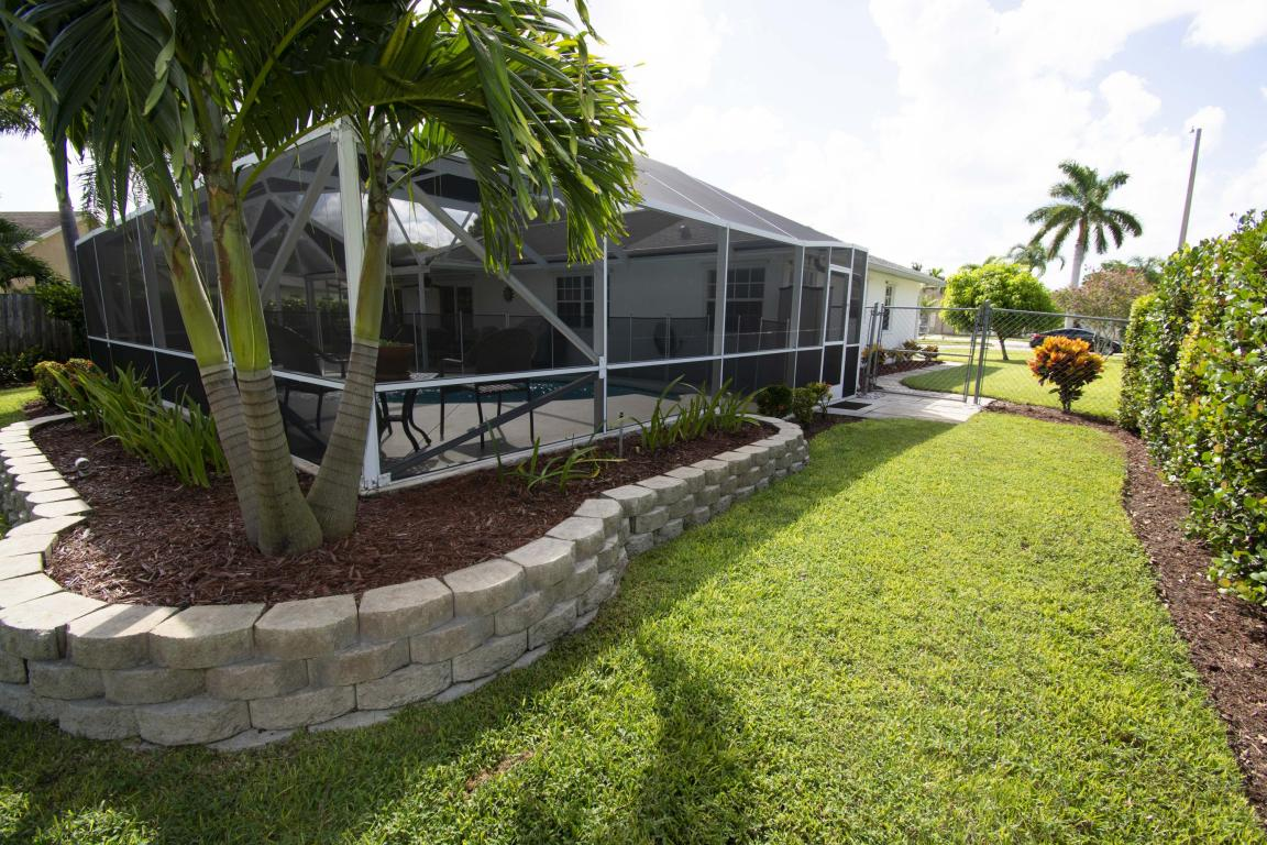 BW side backyard.jpg