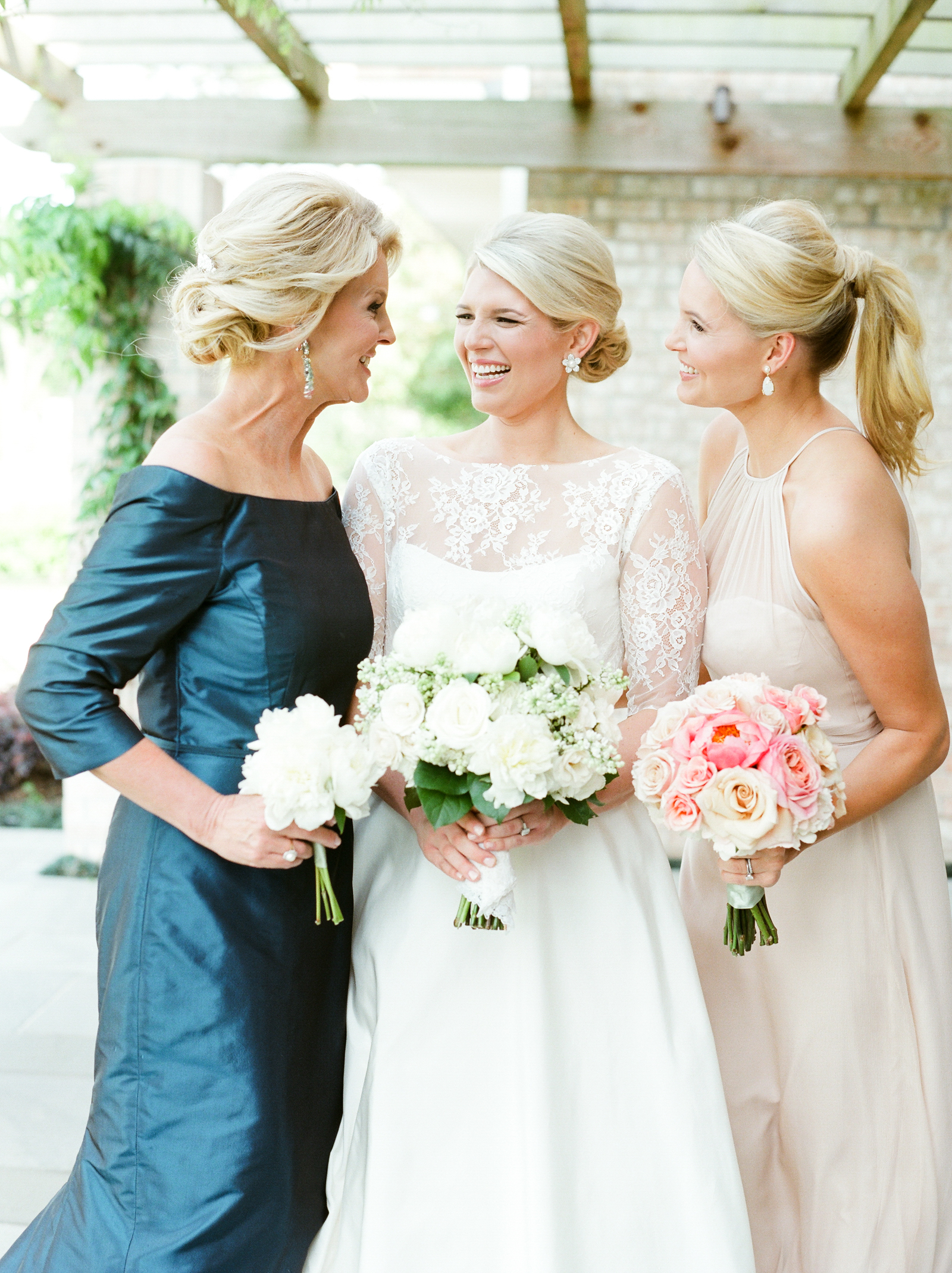 0027__River_Oaks_Country_Club_Wedding_Photographer_Heard.jpg