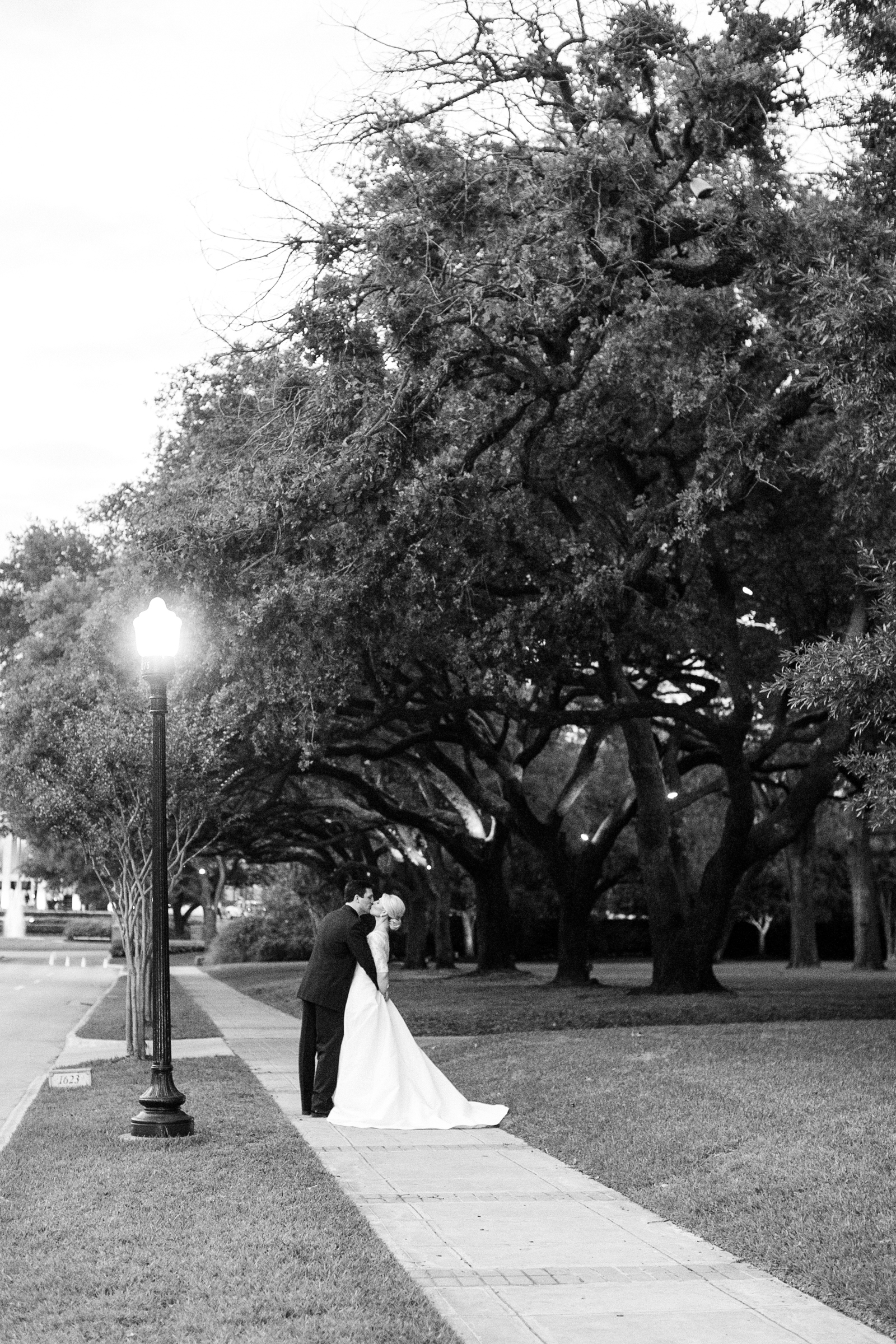 0046__River_Oaks_Country_Club_Wedding_Photographer_Heard.jpg