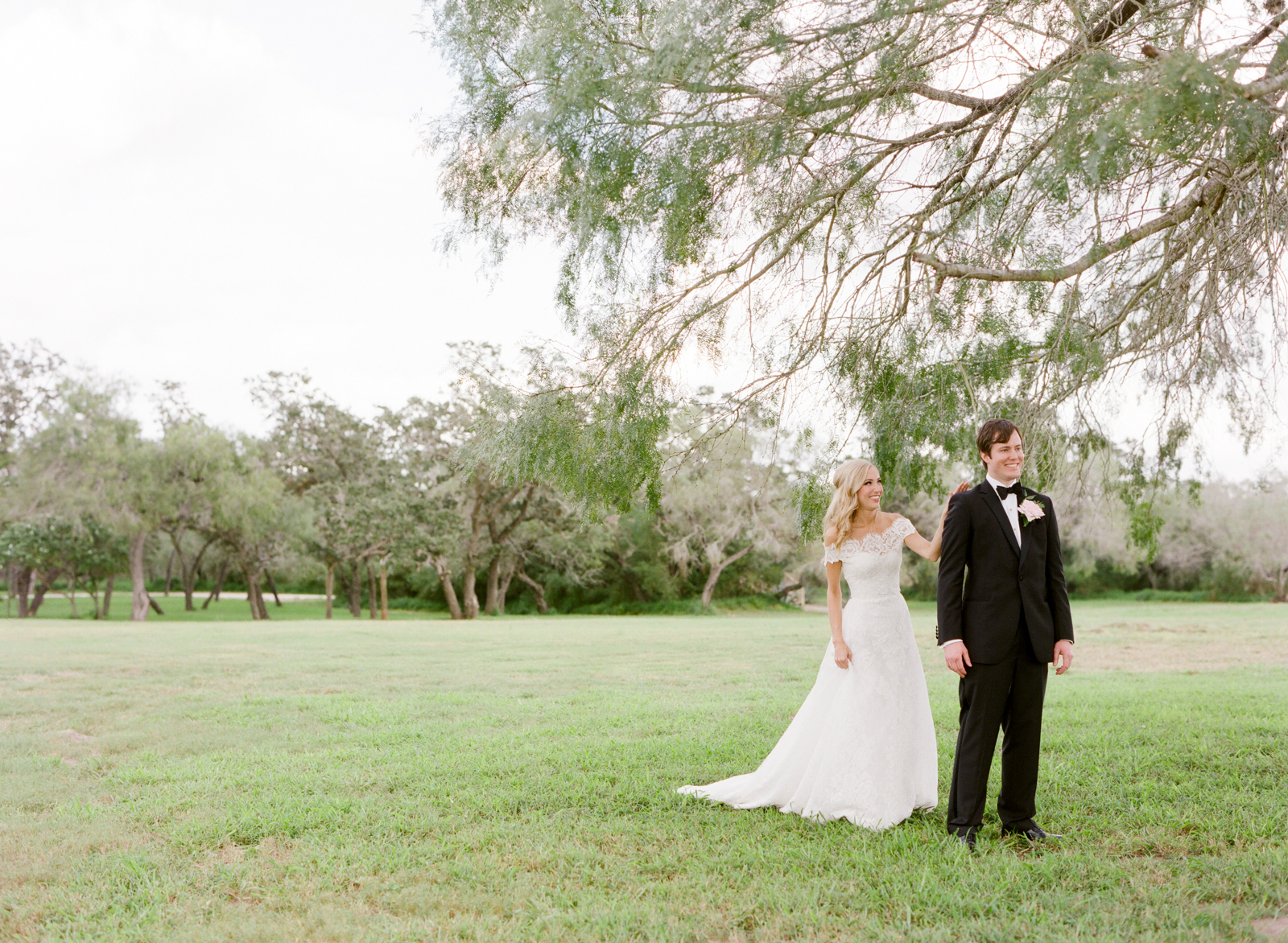 0021_Texas_Ranch_Wedding_Photographer.jpg