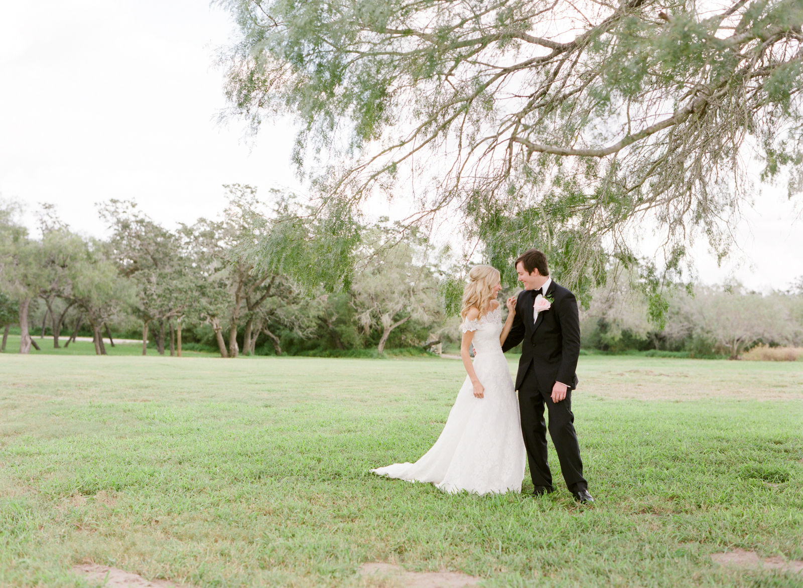 0022_Texas_Ranch_Wedding_Photographer.jpg