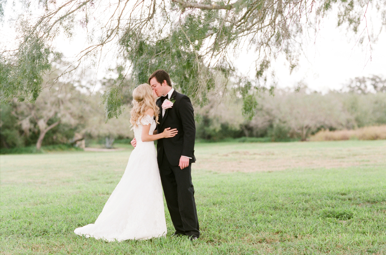 0023_Texas_Ranch_Wedding_Photographer.jpg