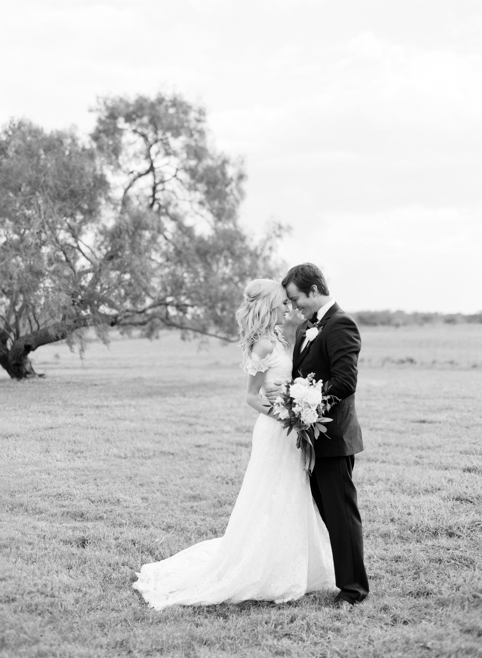 0029_Texas_Ranch_Wedding_Photographer.jpg