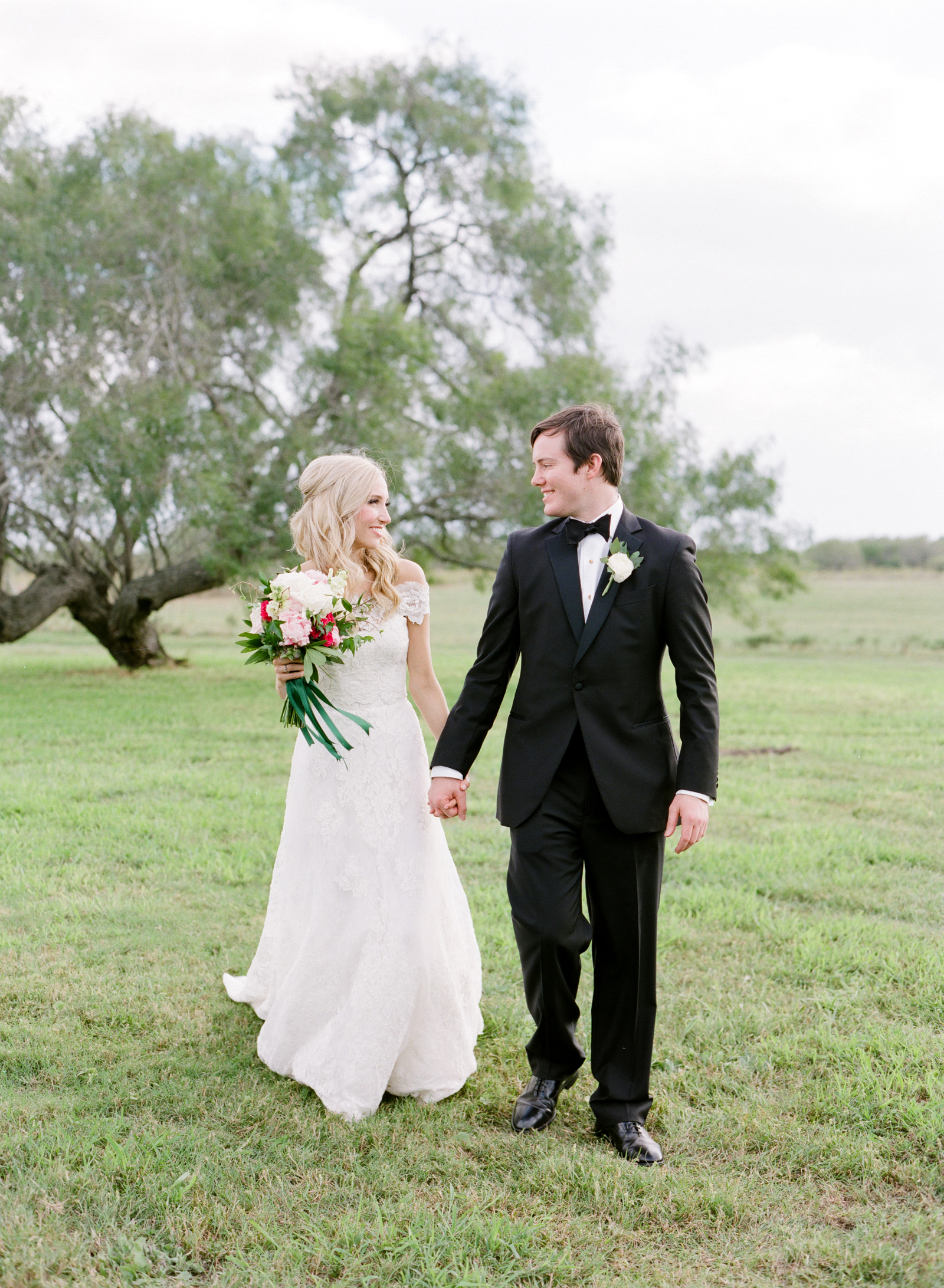 0032_Texas_Ranch_Wedding_Photographer.jpg