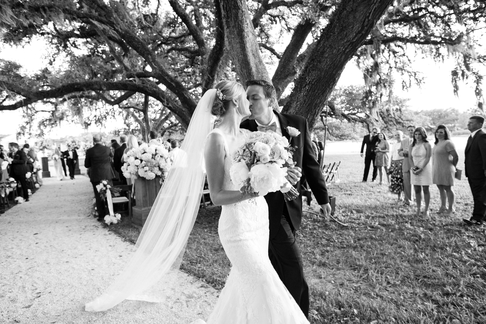 0055_Houston_Oaks_Country_Club_Wedding_Brock.jpg