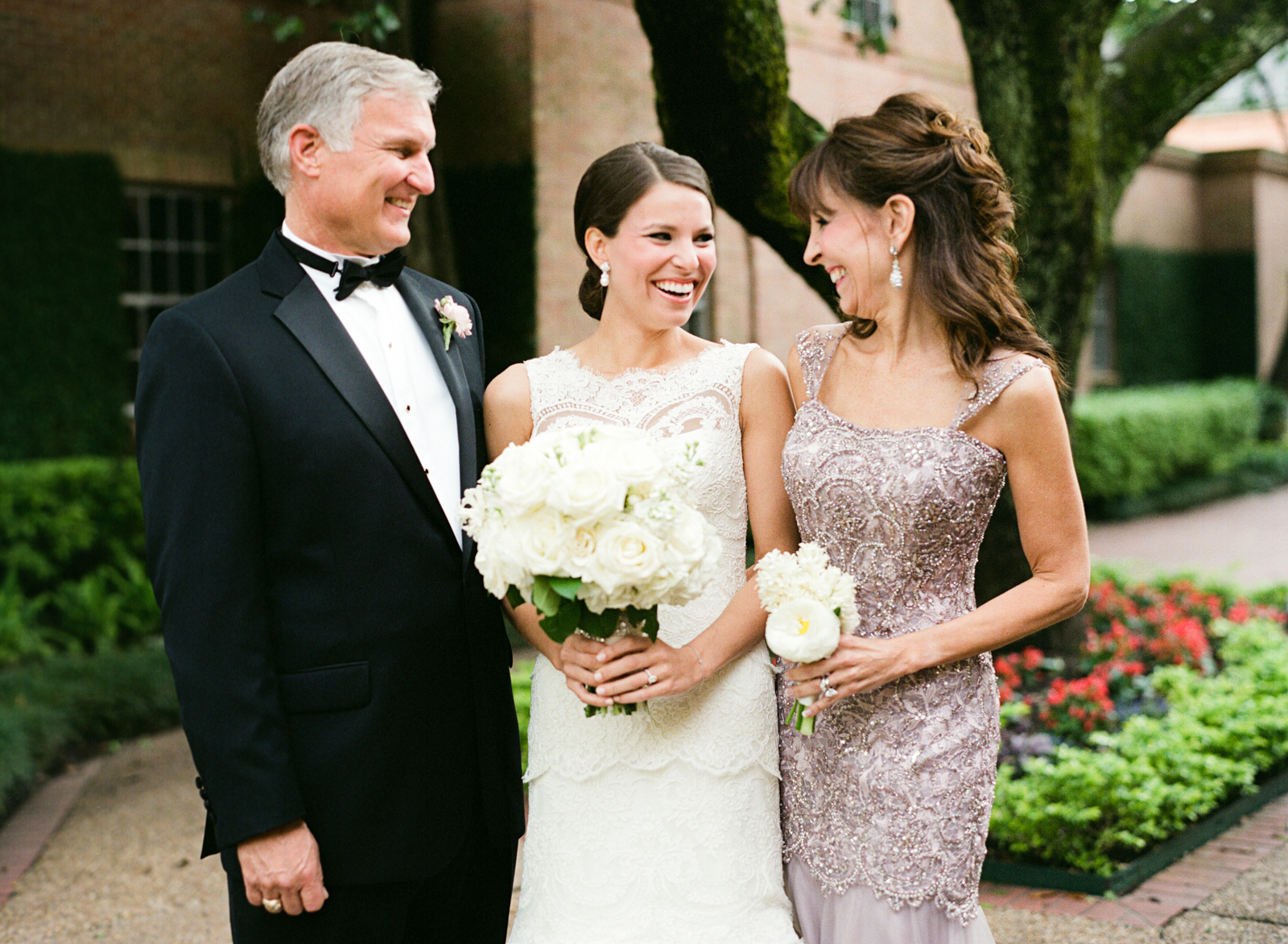 0022_Houston_Country_Club_Wedding_Photographer.jpg