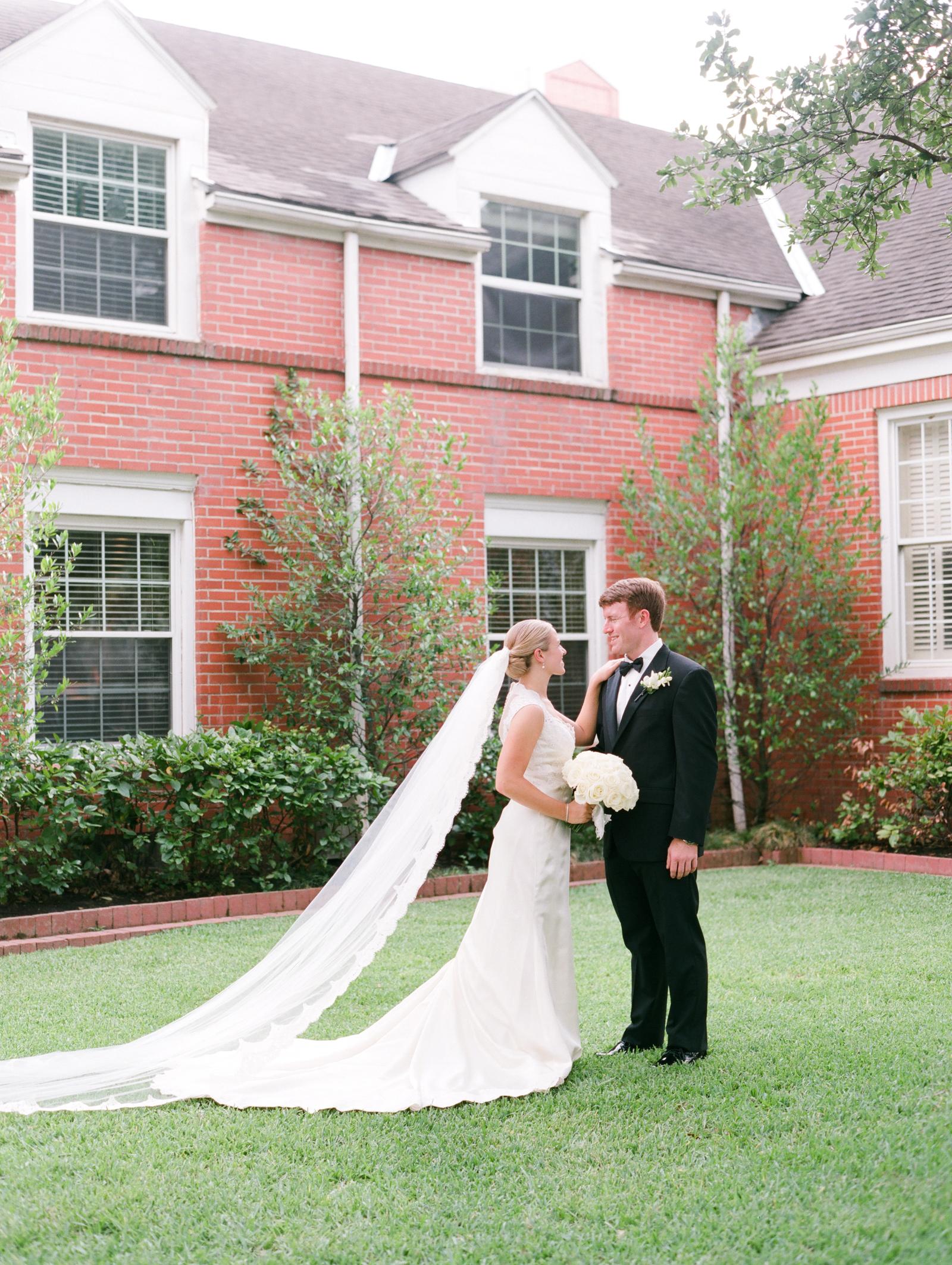 0020_West_University_United_Methodist_Wedding.jpg