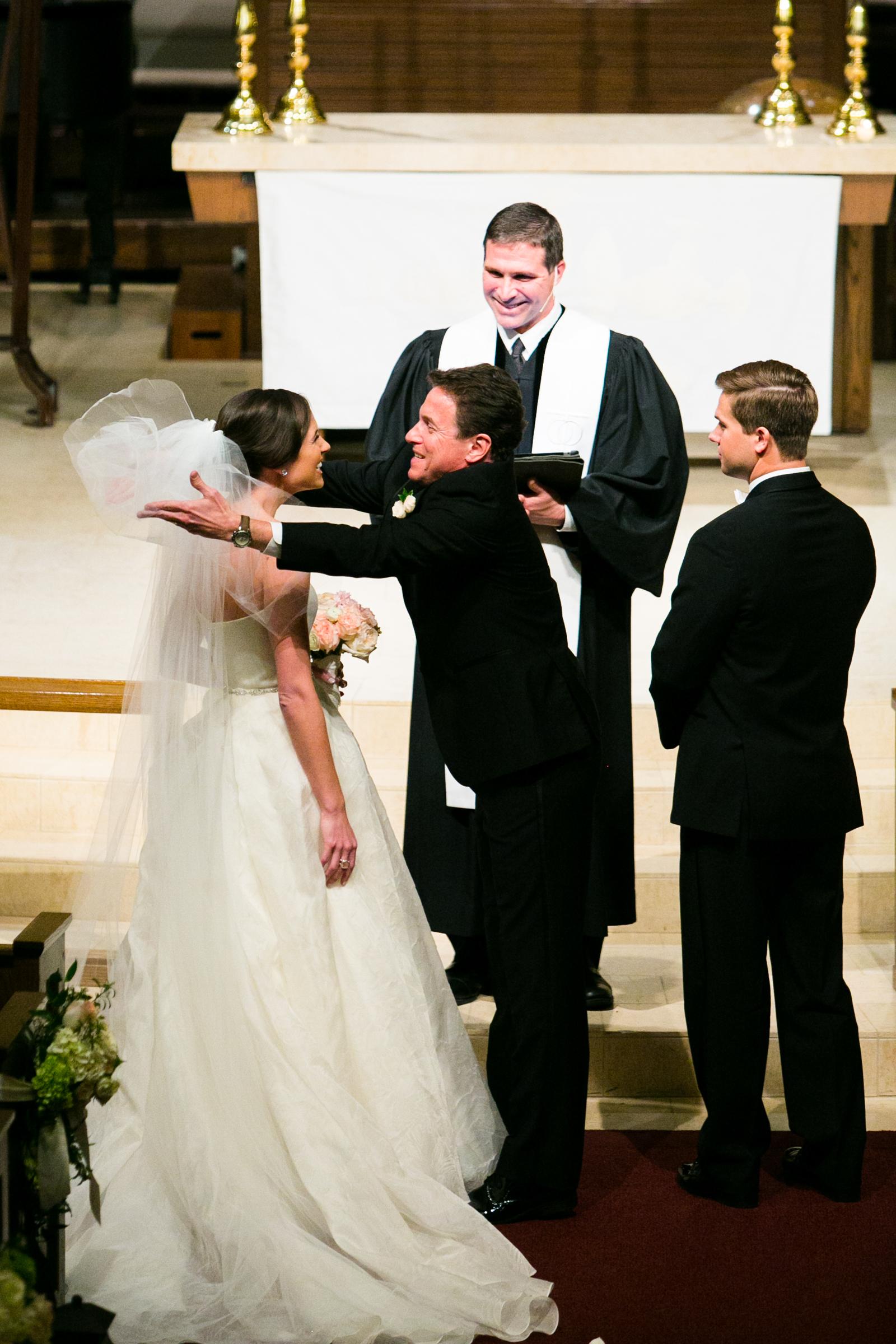 0018_The_Houstonian_Chapelwood_Wedding.jpg