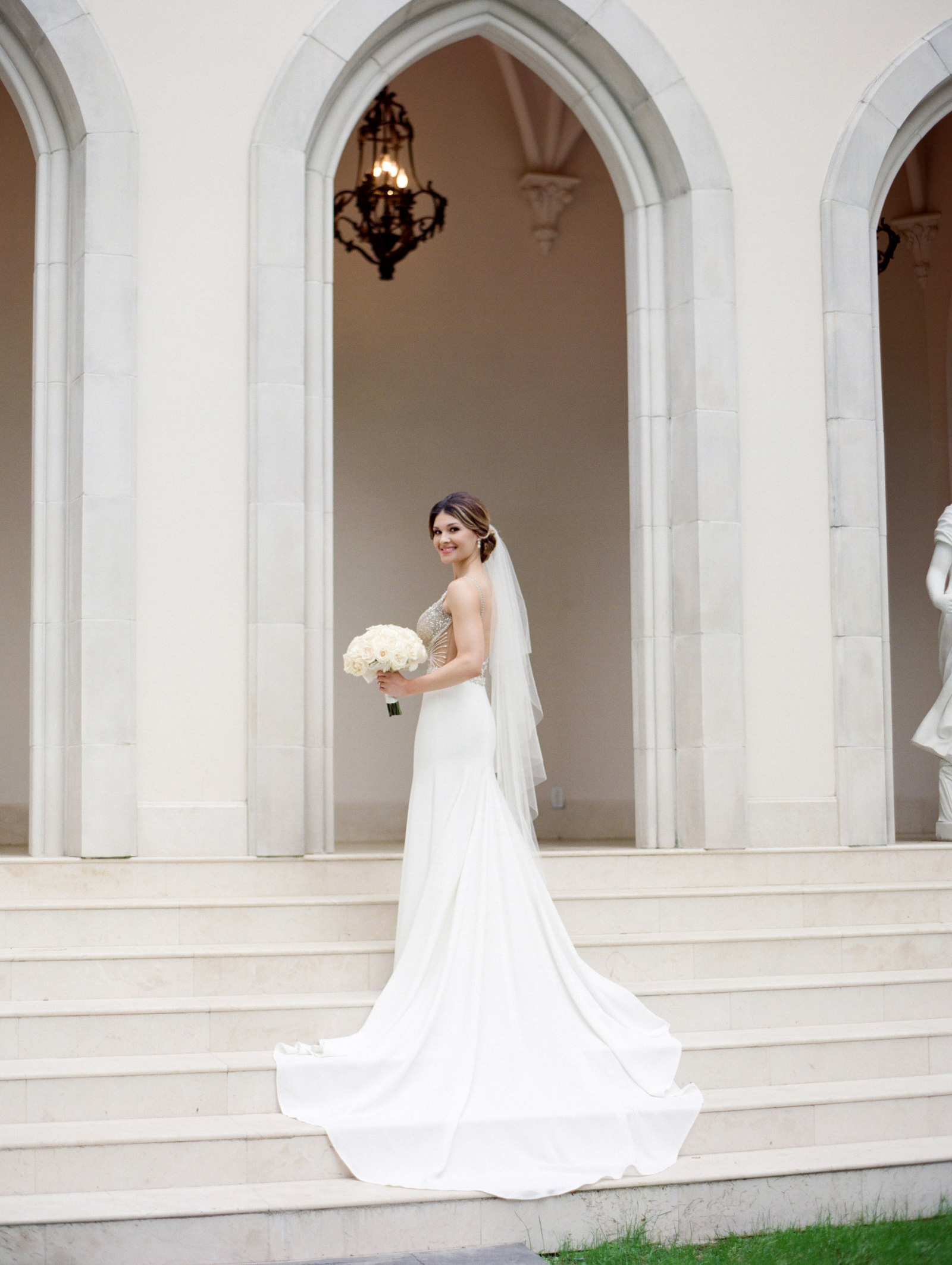 0025_0017_Houston-Chateau-Cocomar-Bridal-Portrait.jpg