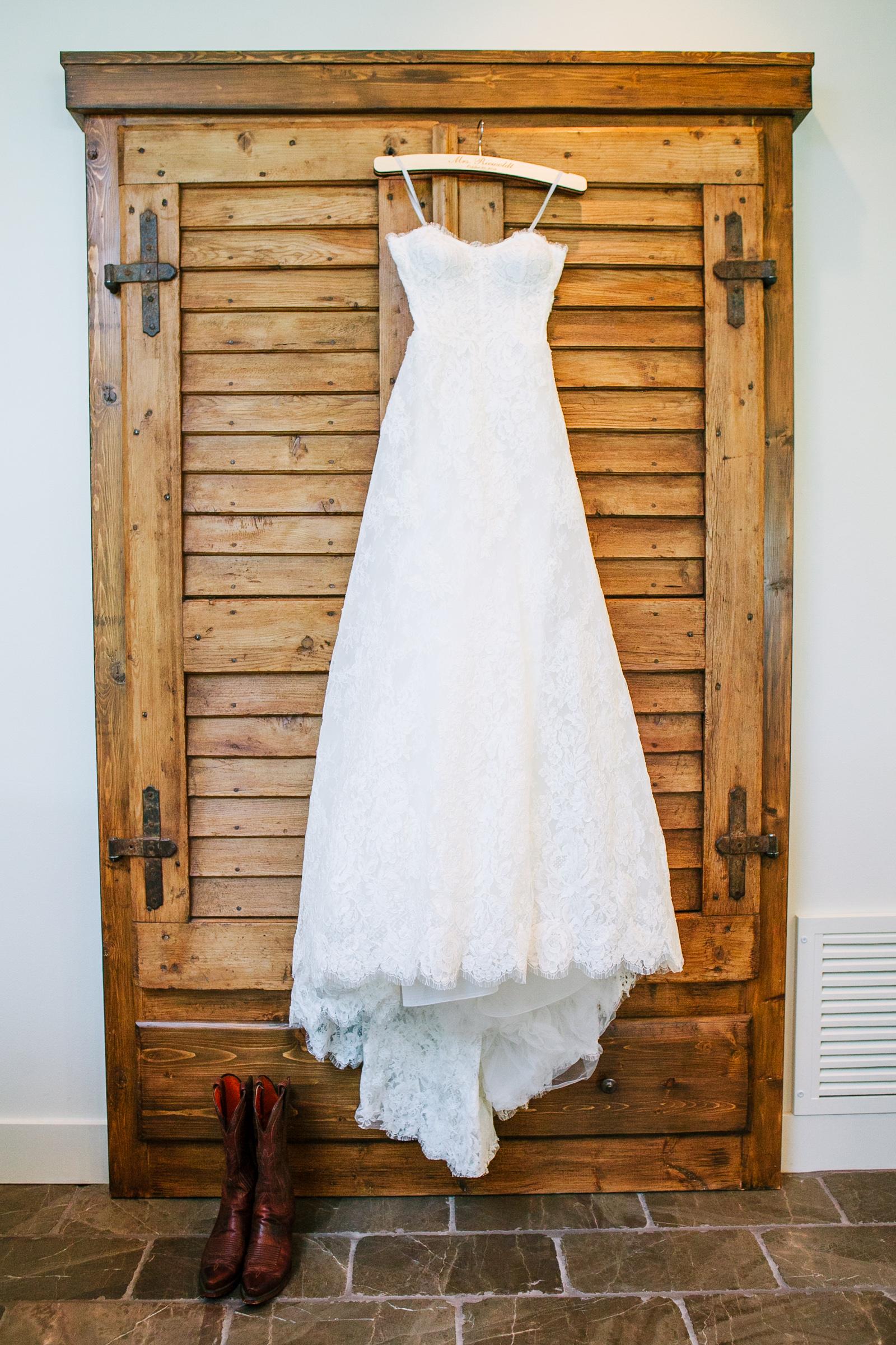 0001_Waco_Ranch_Wedding_Catherine_Nick_Riewoldt.jpg