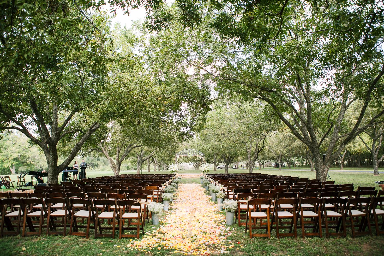 0010_Waco_Ranch_Wedding_Catherine_Nick_Riewoldt.jpg