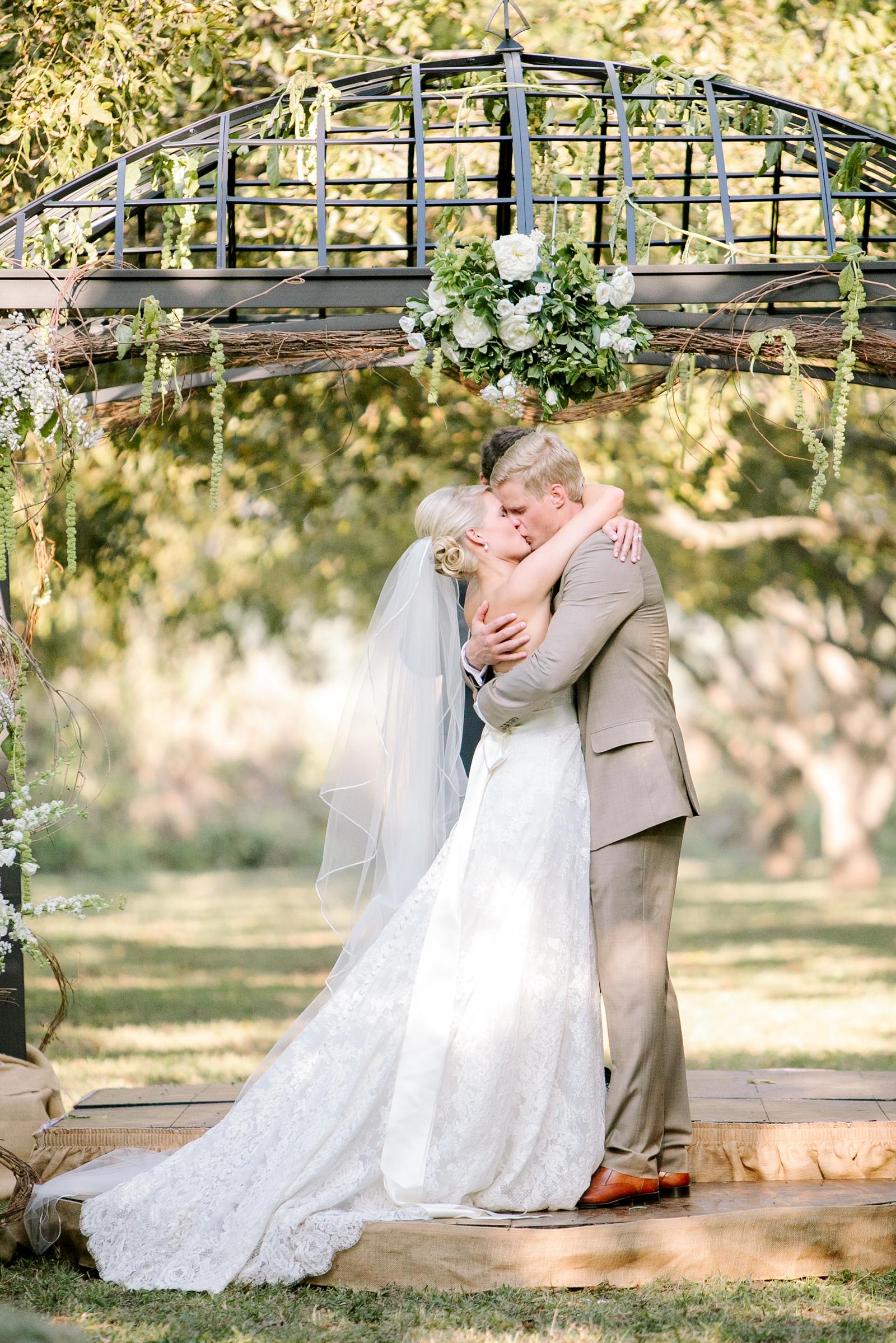 0055_Waco_Ranch_Wedding_Catherine_Nick_Riewoldt.jpg