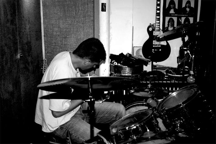 Coo 2008 07 Recording at Soup.jpg