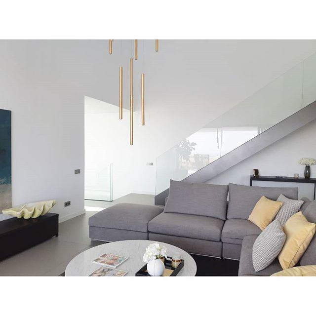 ⏳ . . .  #вилла #роскошный  #costadelsol #lyxartiklar #Architecture #villapadierna #bosshomes #CostaDelGolf #propertiesforsale #luxuryhomes #luxurylifestyle # #hotproperties #bosshomes #пляж #infinitypool #Design #ContemporaryVillas #mijas #Marbella #Benalmadena #Sotogrande #Estepona  #bossluxury #puertobanus #Summer #August #Summer2019 #summervibes  #chilling #Wednesday