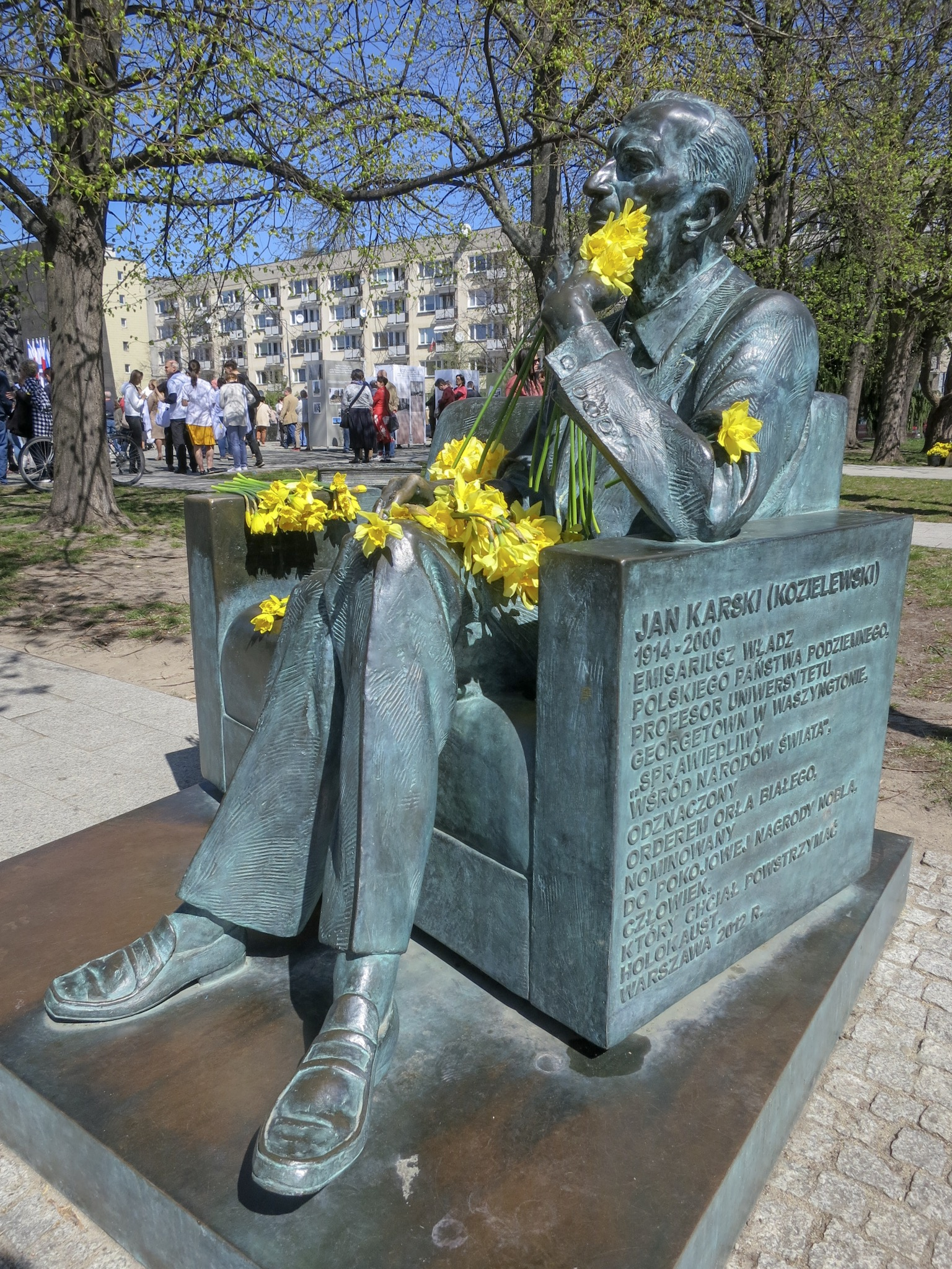 Daffodils are strewn on the statue of Jan Karski in commemoration of the 76th Anniversary of the Warsaw Ghetto Uprising