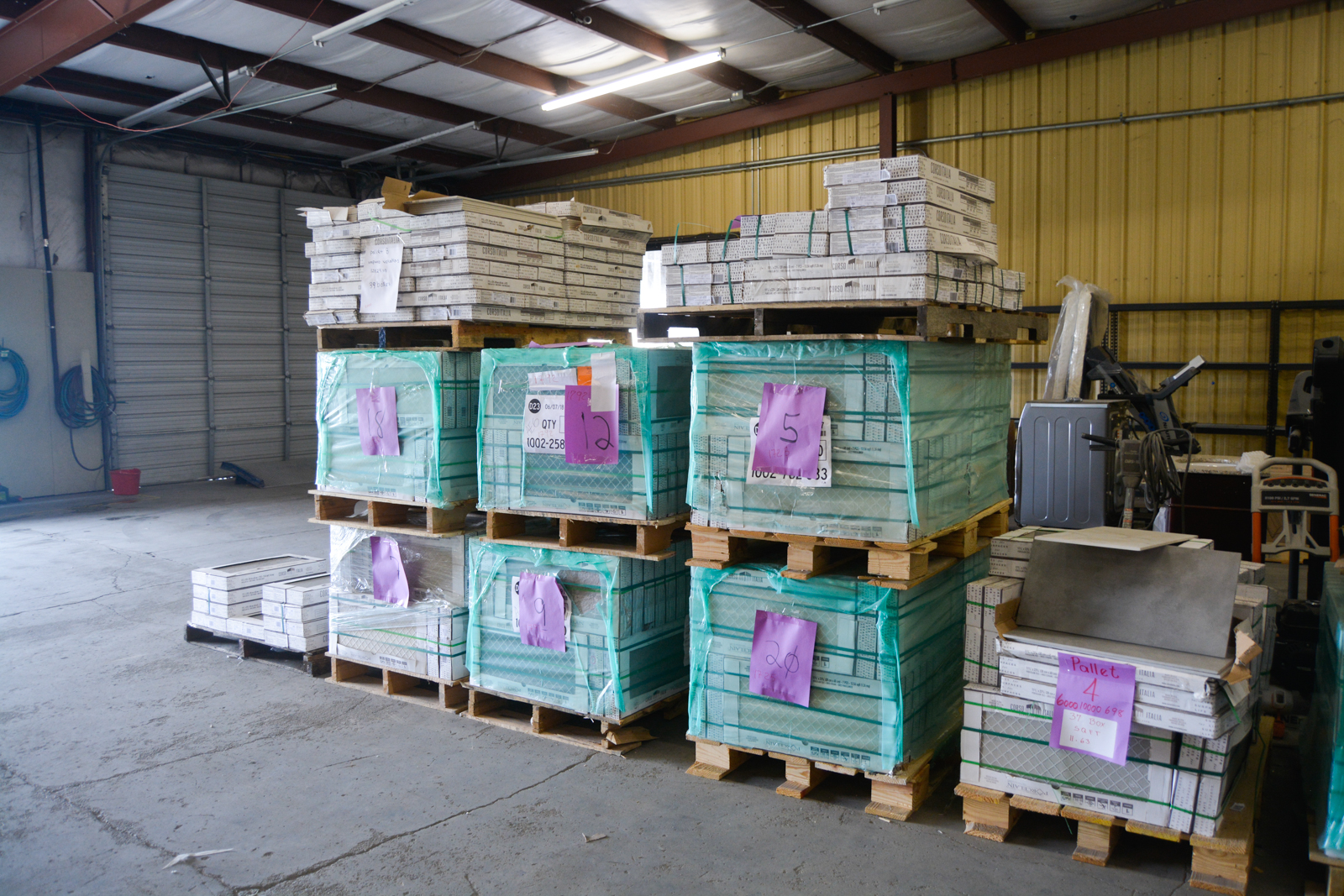 Pallets of new and overstock tile! - 615-829-6020198 Weakley LnSmyrna, TN 37167