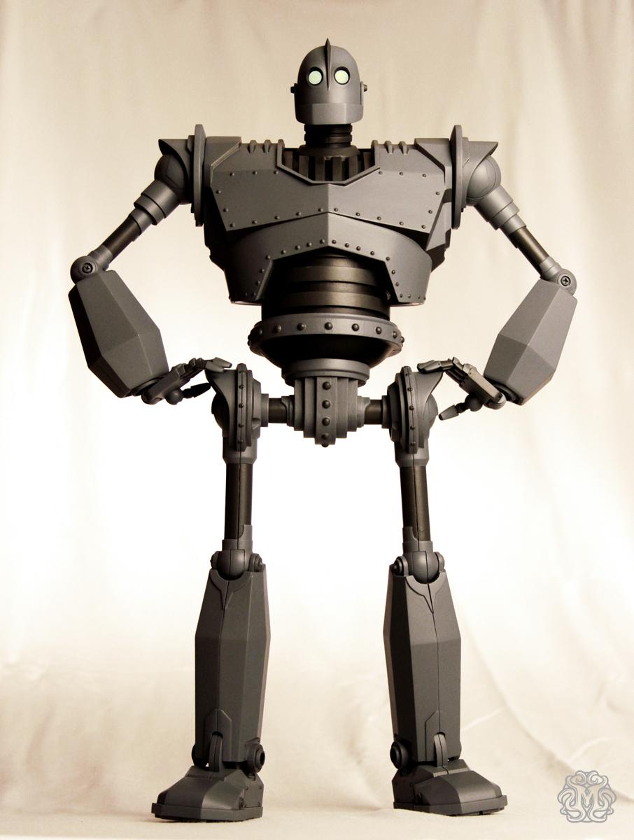 Iron-Giant-figure-Mondo_IG1_o.jpg