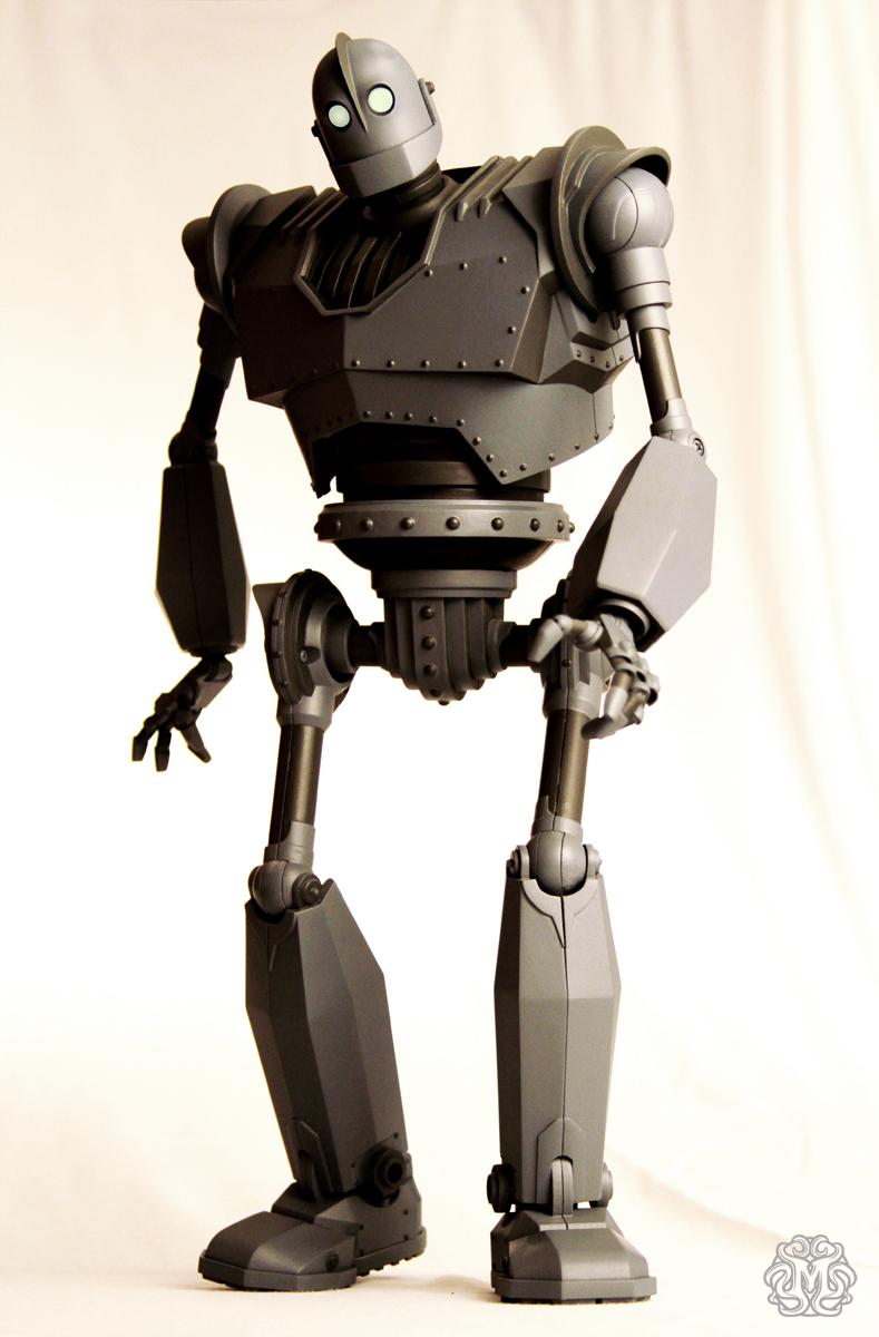 Iron-Giant-figure-Mondo_IG3_o.jpg