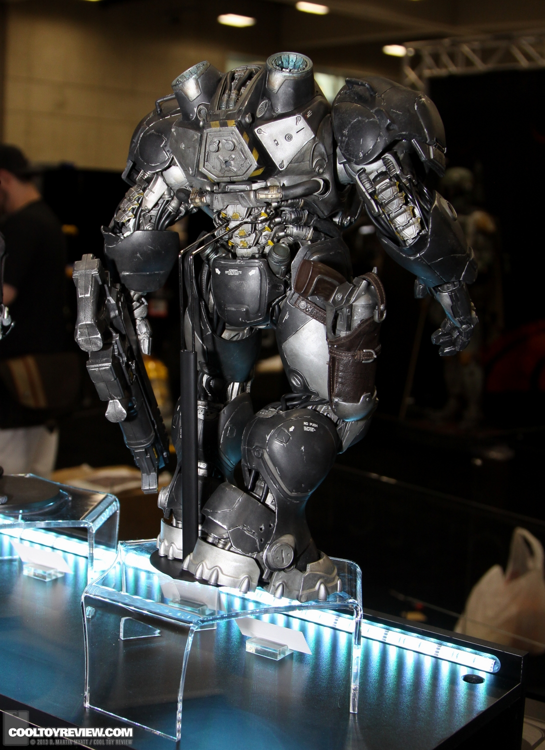 Starcraft-Marine-Raynor-SDCC_2013_Sideshow_Collectibles_Wed-017_o.jpg