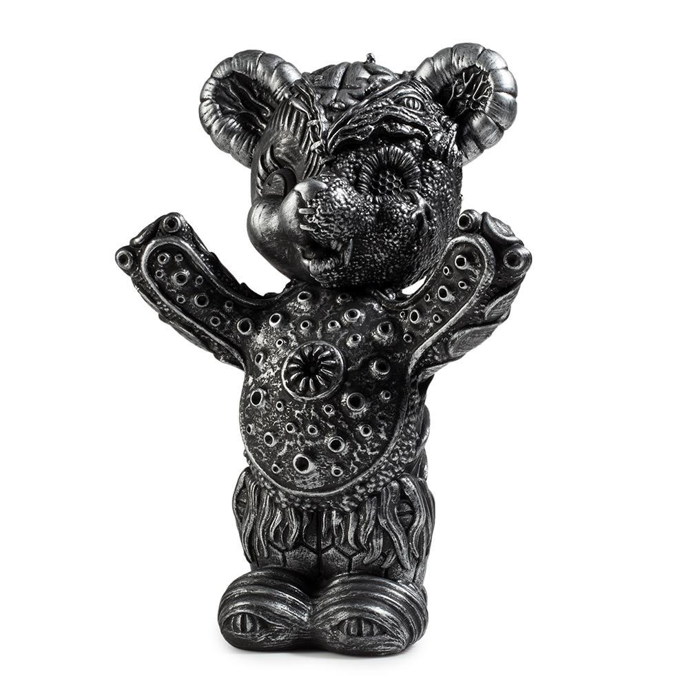 vinyl-free-hugs-bear-10-figure-by-frank-kozik-6.jpg