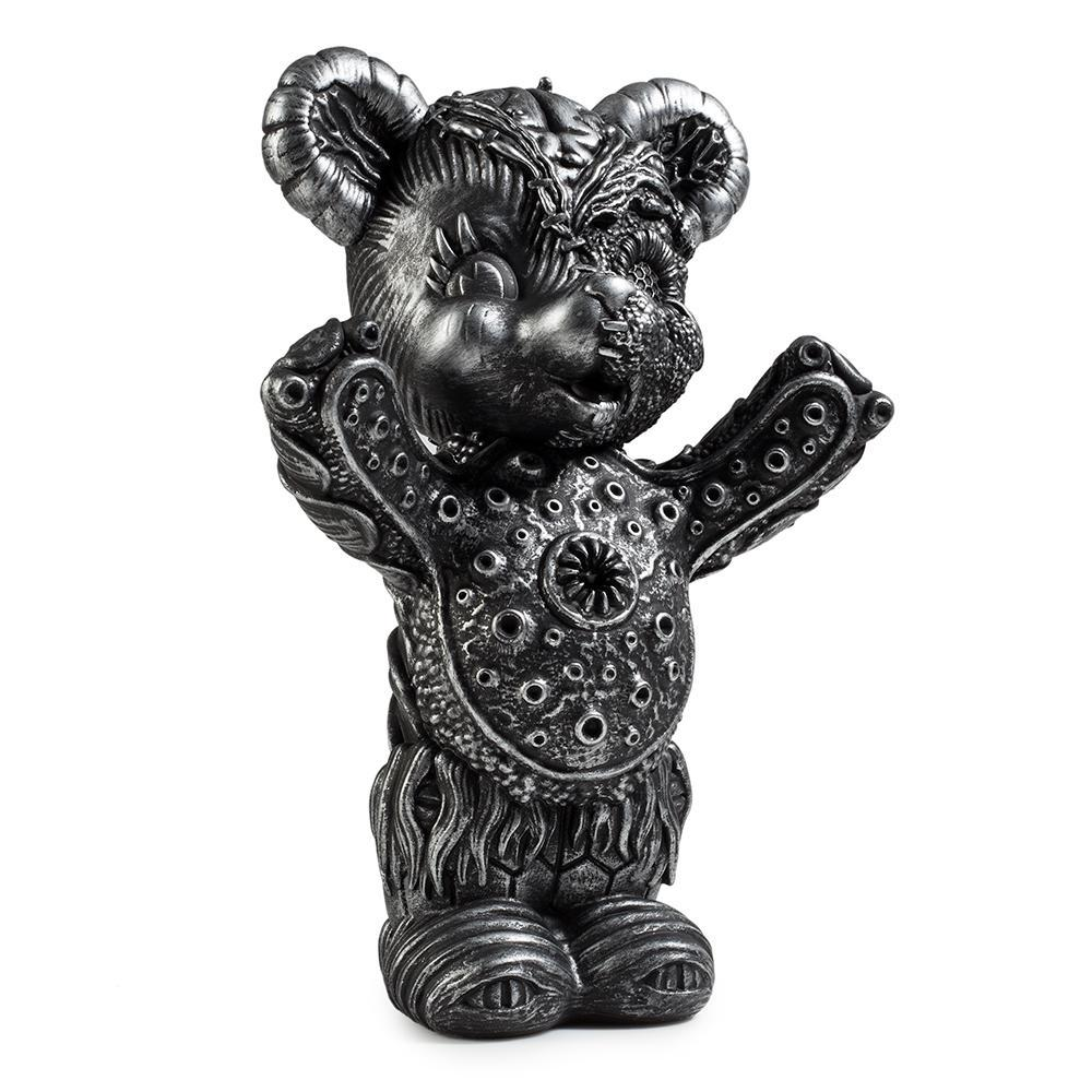 vinyl-free-hugs-bear-10-figure-by-frank-kozik-2.jpg