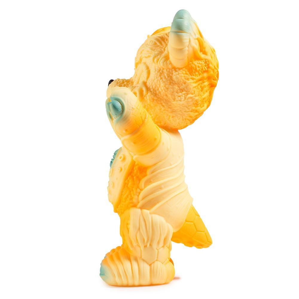 vinyl-free-hugs-bear-10-figure-by-frank-kozik-13.jpg
