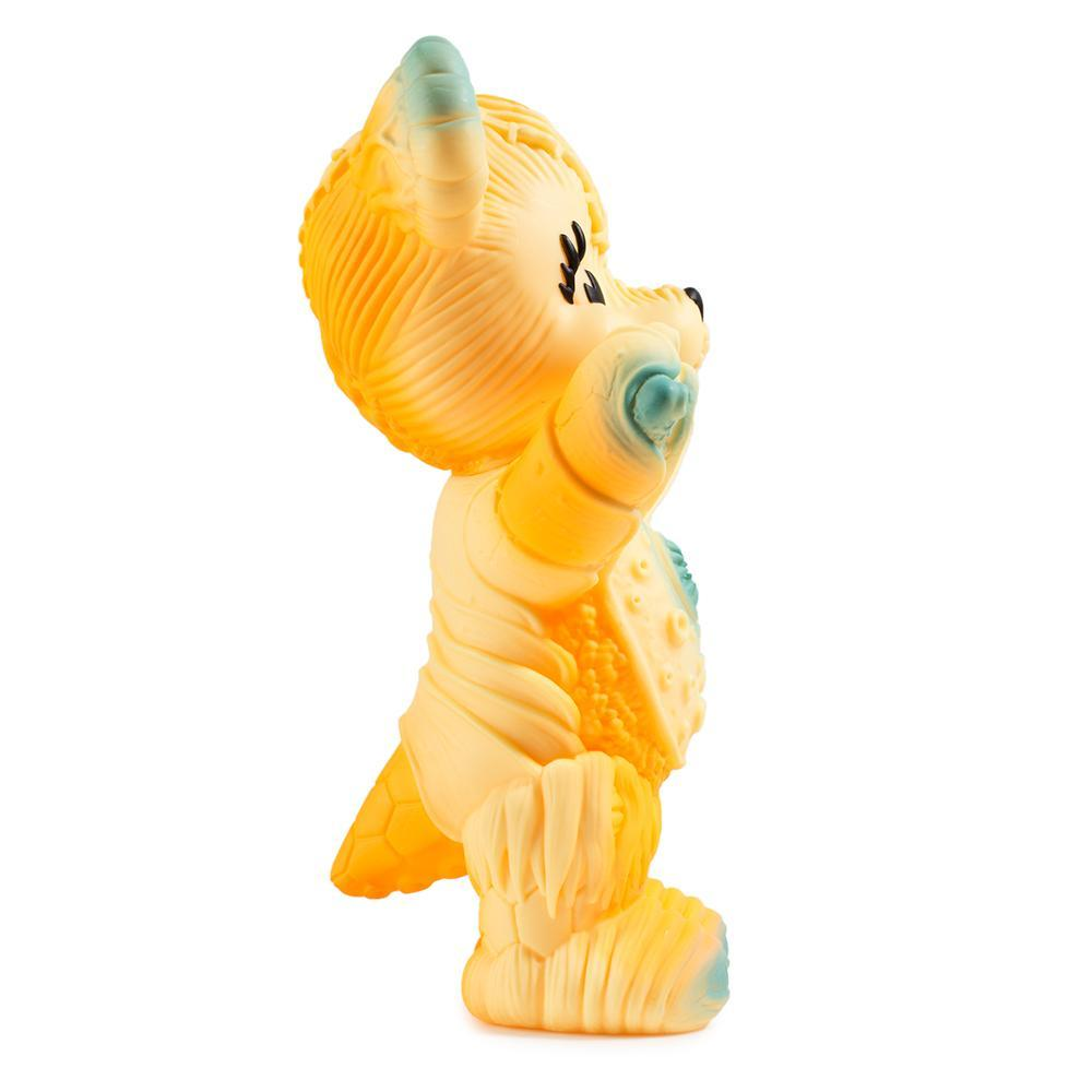 vinyl-free-hugs-bear-10-figure-by-frank-kozik-11.jpg