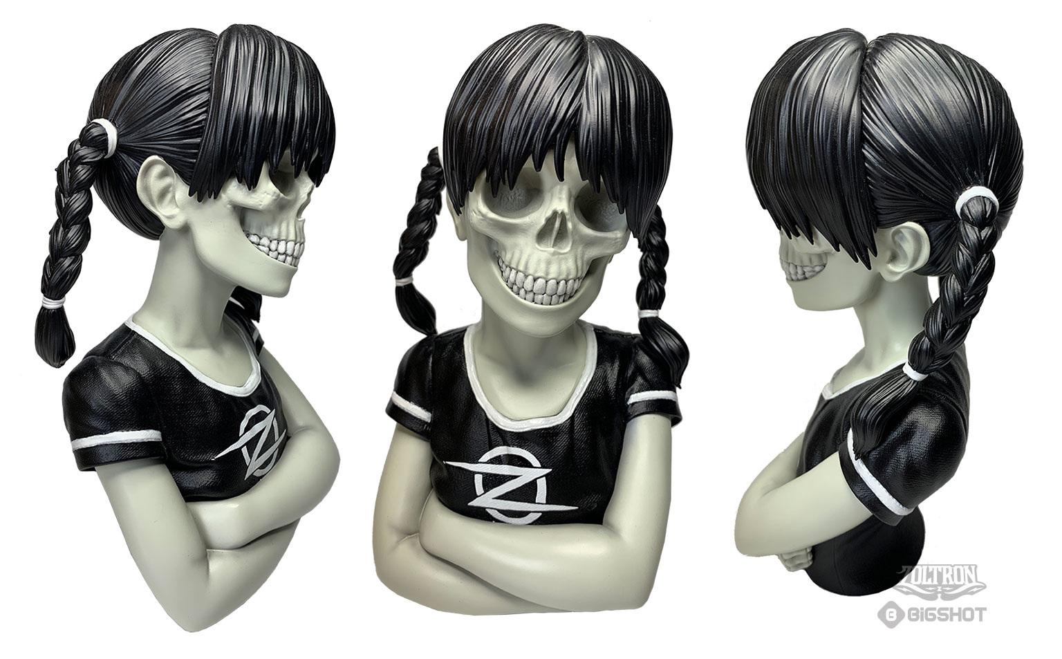 Sue-Nami-Zoltron-Sculpture-Black2_1536.jpg